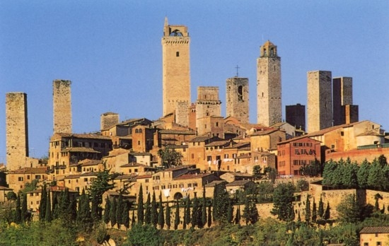 Tuscan medieval towns and their festivals